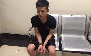Pháp luật - Hà Nội: Nam thanh niên cầm 'hàng' đi taxi, vẫn không thoát được 141