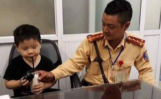 Pháp luật - Hà Nội: Bé trai 4 tuổi bị lạc mẹ trong giờ cao điểm