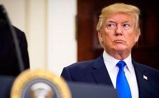 Tiêu điểm - Tổng thống Trump rơi vào 'cơn bão lửa chính trị' sau vụ bạo động ở Charlottesville