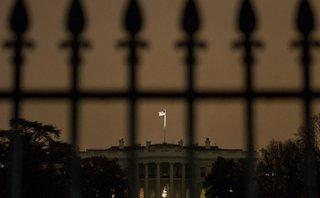 Tiêu điểm - Mật vụ Mỹ nổ súng ở Nhà Trắng trong lúc Tổng thống Trump đi vắng