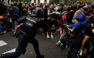 Tiêu điểm - Phản ứng của Tây Ban Nha và quốc tế khi 90% người Catalonia đòi độc lập