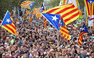 Tiêu điểm - Tây Ban Nha: Gần nửa triệu người xuống đường biểu tình, lo ngại xung đột