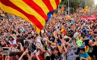 Tiêu điểm - Phản ứng của Chính phủ Tây Ban Nha sau khi Catalonia tuyên bố độc lập