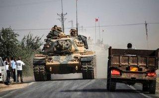 Tiêu điểm - Mỹ sẽ làm gì  trước cảnh Thổ Nhĩ Kỳ-Kurd 'huynh đệ tương tàn' ở Syria?
