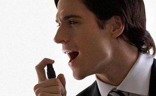 """Tư vấn - Vô tình """"ôm"""" thêm bệnh khi lạm dụng xịt thơm miệng"""