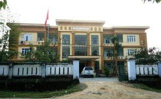 Xi nhan Trái Phải - Huyện nghèo 'tiếp khách' hàng trăm triệu: Hiếu khách bằng ngân sách