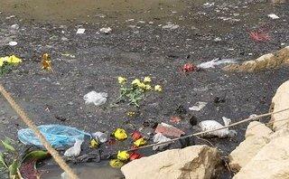 Xã hội - Cảnh đáng buồn trên những dòng sông sau ngày ông Công ông Táo