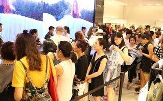 Tiêu dùng & Dư luận - Thương hiệu ngoại đổ bộ, thời trang Việt nguy cơ thua trên sân nhà