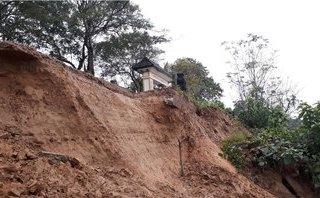 Điểm nóng - Sông Hương sạt lở nghiêm trọng sau mưa lũ