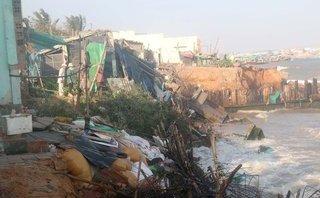 Điểm nóng - Phan Thiết: 11 nhà dân bị biển xâm thực đánh sập