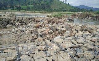 Điểm nóng - Đập tràn bị vỡ do mưa lũ, 80ha ruộng không có nước gieo sạ