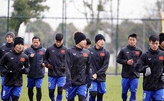 Bóng đá Việt Nam - Đội tuyển U23 Việt Nam với các chiêu chống rét hiệu quả