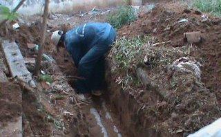 Điểm nóng - Bắt quả tang DN lắp ống ngầm để xả thải ra môi trường