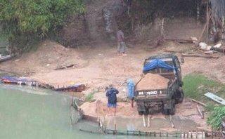 """Điểm nóng - Nạn """"cát tặc"""" vẫn tiếp tục hoành hành trên sông Hà Thanh ở Bình Định"""
