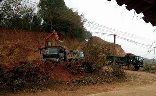 Điểm nóng - Thanh Hóa: Rầm rộ khai thác đất giữa ban ngày, chính quyền thờ ơ