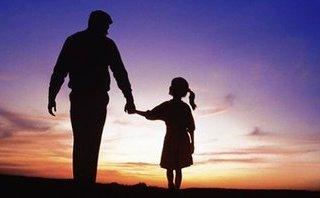 Gia đình - Có thực con gái là khoản đầu tư lỗ của bố mẹ?