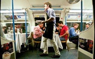 Cộng đồng mạng - Thú vị: Nhà hàng được hô biến từ toa tàu điện ngầm cũ