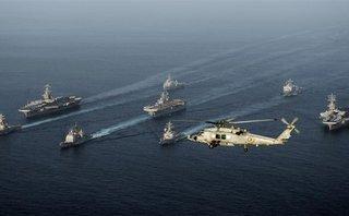 Tiêu điểm - Tàu chiến Mỹ quay đi sau khi đối đầu tàu Iran mang tên lửa tại vịnh Ba Tư