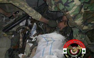Quân sự - Syria: Sự thực khủng khiếp trong kho vũ khí lớn của IS mới được phát hiện tại  Deir ez-Zor