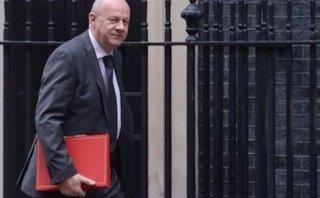 """Tiêu điểm - Ảnh nóng và chuyện tình ái """"hạ gục"""" Phó Thủ tướng Anh: Góc khuất chính trường 'xứ sở sương mù'"""