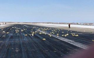 Tiêu điểm - Bất ngờ đánh rơi nhiều tấn vàng, máy bay Nga hạ cánh khẩn cấp