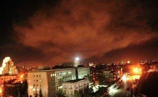 Tiêu điểm - Syria: Thủ đô Damascus chìm trong khói lửa ngay sau lệnh tấn công của TT Donald Trump
