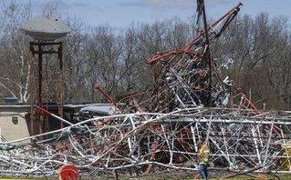 Tiêu điểm - Tin nóng thế giới ngày mới 20/4: Sập tháp truyền hình cao 600m ở Mỹ, nhiều người thương vong