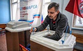 Tiêu điểm - Tin nóng thế giới ngày mới 15/5: EU trừng phạt 5 cá nhân liên quan đến bầu cử của Nga tại Crimea