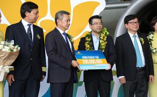 Thương hiệu - Vietnam Airlines đón hành khách thứ 200 triệu