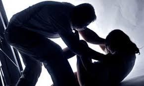 An ninh - Hình sự - Nghệ An: Đánh vợ cũ trọng thương rồi ra cầu treo cổ tự tử