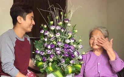 """Đời sống - Ngày Phụ nữ Việt Nam: Bài thơ """"Mẹ ơi"""" lấy nước mắt nhiều người"""