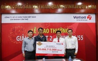 Tiêu dùng & Dư luận - Tưởng trúng 40 triệu hóa ra trúng Vietlott Jackpot 2 hơn 18 tỷ đồng