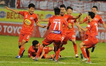 Bóng đá Việt Nam - Clip: Đức Lương lập siêu phẩm, HAGL hòa đáng tiếc Quảng Nam