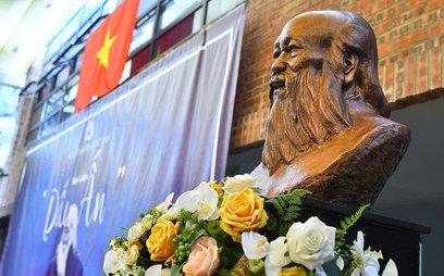Mới- nóng - Clip: Nghẹn ngào tưởng nhớ thầy Văn Như Cương nhân ngày 20/11