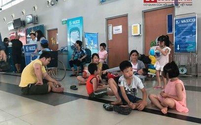 Tin nhanh - Vietnam Airlines phải bồi thường tiền cho khách hàng vì chuyến bay chậm 8 tiếng
