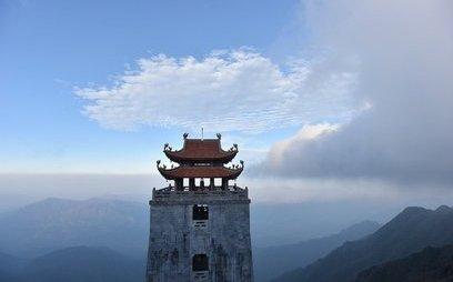 Truyền thông - Thán phục sự kỳ vĩ của các công trình tâm linh trên đỉnh Fansipan