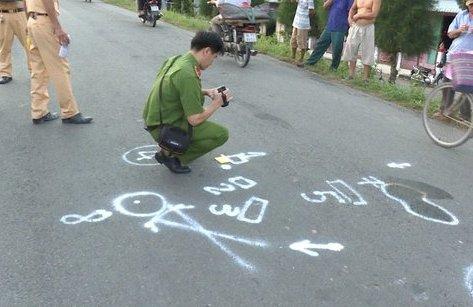 Tin nhanh - Vĩnh Long: Va chạm xe máy, cụ ông tử vong
