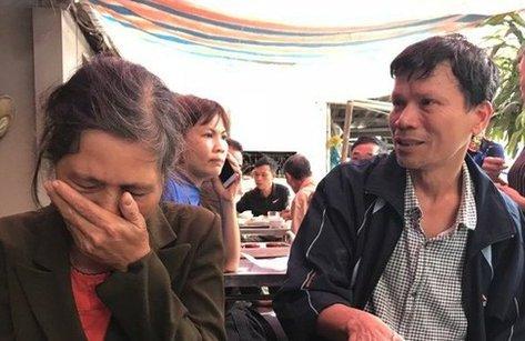 Mới- nóng - Clip: Bố chiến sĩ Chử Văn Khánh rơi nước mắt kể lại lần cuối gặp con