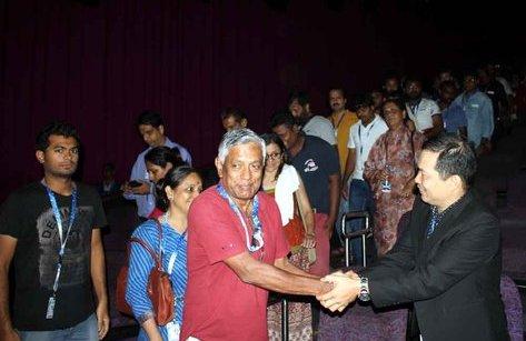 """Sự kiện - Phim Cha cõng con vào """"Hạng mục Điện ảnh thế giới"""" tại LHP Quốc tế Ấn Độ"""