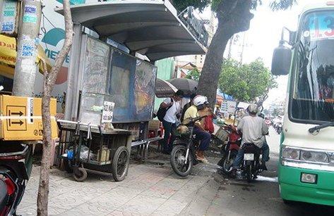 Xe++ - Dừng, đỗ xe máy ở bến xe buýt bị phạt bao nhiêu?