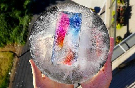Công nghệ - Bị đóng băng 10 ngày và thả rơi từ độ cao 50m, iPhone X sẽ ra sao?