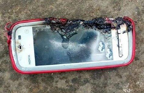 Cuộc sống số - Điện thoại Nokia bất ngờ phát nổ gây chết người