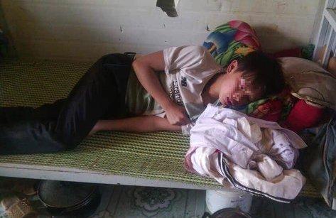 An ninh - Hình sự - Sơn La: Lãnh đạo huyện yêu cầu làm rõ vụ giáo viên đánh học sinh tím mặt