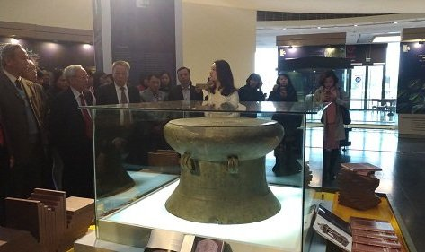 Văn hoá - Chiêm ngưỡng bảo vật quốc gia được trưng bày tại Bảo tàng Hà Nội
