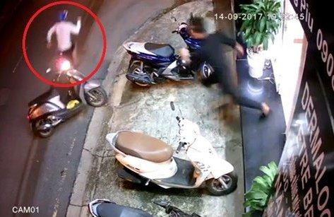 Video - Clip: Thanh niên trộm xe bất thành bị dân truy đuổi