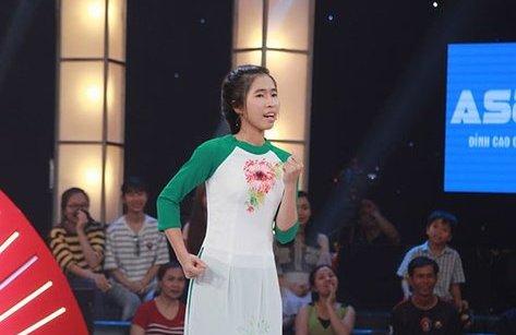 Giải trí - Thách thức danh hài 4: Cô gái ẵm 100 triệu chỉ bằng 1 bài hát
