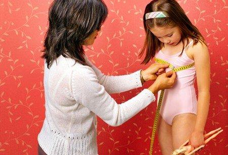 Tư vấn - Con gái dậy thì từ lớp 4: Bác sĩ lý giải nguyên nhân