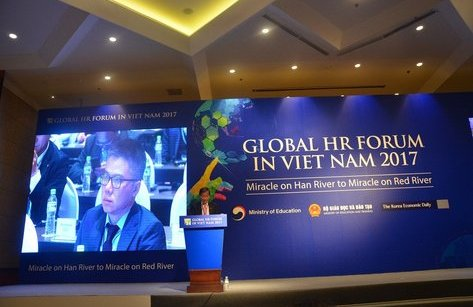 Giáo dục - Năng suất lao động 23 người Việt bằng 1 người Singapore: Làm sao san bằng?