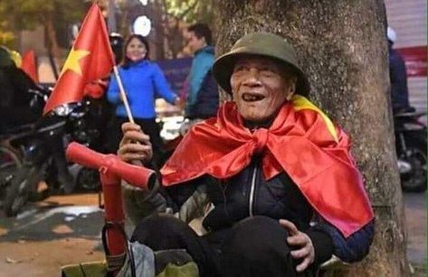 Bóng đá Việt Nam - Muôn kiểu ăn mừng có một không hai của NHM gửi tới U23 Việt Nam