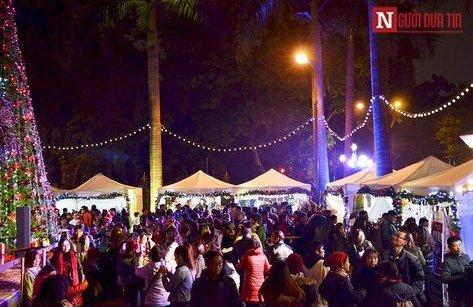 Văn hoá - Hội chợ Giáng sinh phong cách Đức rộn ràng tại Việt Nam